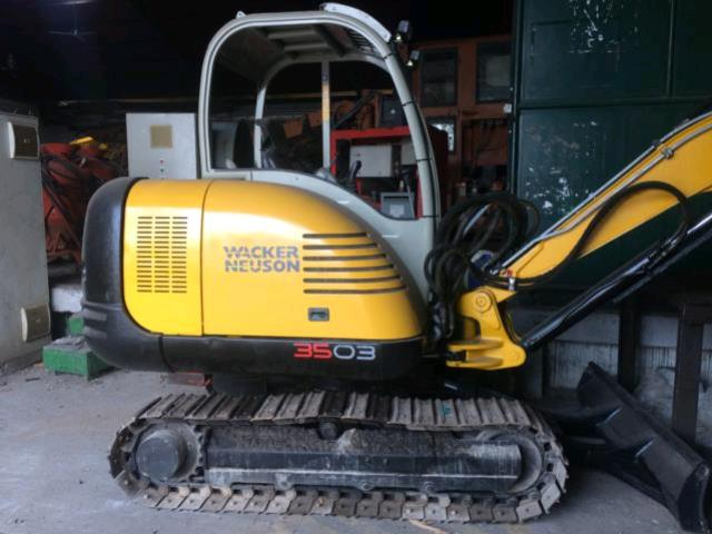 Where to find EXCAVATOR,8000LB in Texas City